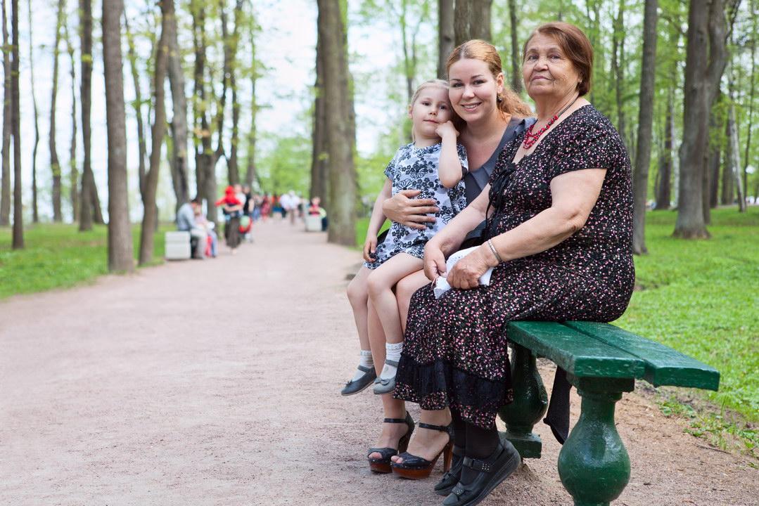 «Благодаря советской закалке, я умудряюсь жить сама, да еще и поддерживать детей» — история пенсионерки из Крыма