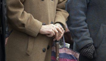 «Тяжело одной. Живу от пенсии до пенсии»— реальная история пенсионерки из Самары