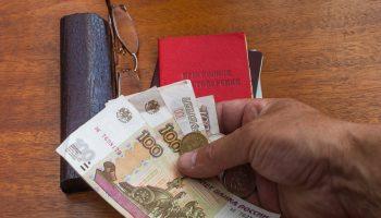 Чтобы не оказаться на краю бедности, нужно грамотно вести расходы. Тогда на всё хватает — история пенсионера из Саратова