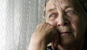 Жила в деревне, никогда не работала. Жизнь заставила и вот уже на пенсии приходится работать – история из Абакана
