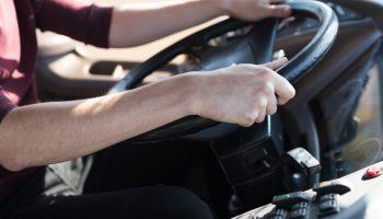 Работа ИП за рулем радикально отличается от простой работы водителя. Приходится отвечать за всё самому, но и деньги иные
