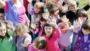 Уже 2 года работаю воспитателем в детском саду — недостатков гораздо меньше, чем плюсов