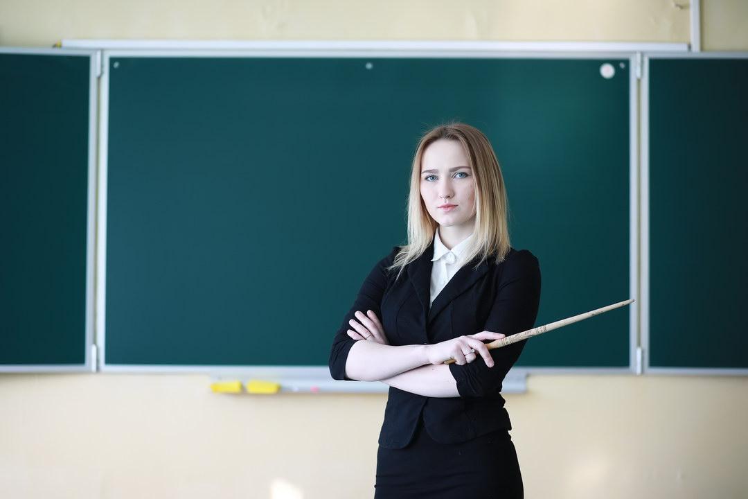 Откровения молодого педагога обычной школы из Кемерово - очень люблю свою работу, но выжить за такую зарплату невозможно