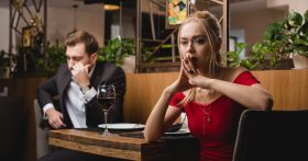 Когда выходила замуж не думала о деньгах, но теперь — «Я зарабатываю больше мужа и очень расстроена»
