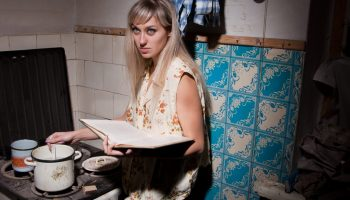 Если после ВУЗа хочешь работать по образованию, то надо «голодать», подрабатывать и ждать случая – история из СПб