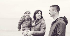 Что это за поколение вырастет? Сын видит отца 30 дней в году — чтобы выживать, постоянно приходится быть на заработках