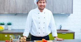 «Работать поваром и получать большую зарплату — можно, но только, если ты не повар» — история из Кирова