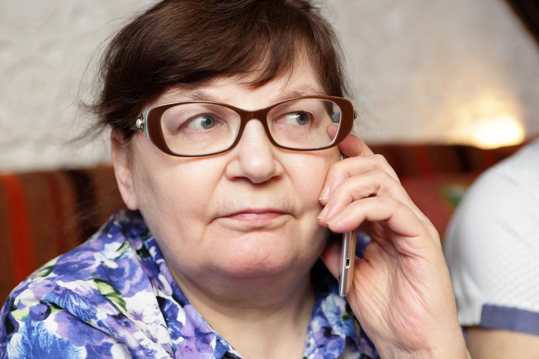 35 лет оставила фабрике, пенсия 8600. Жаловаться- не буду, молодёжь, работая получает 11280. Просто расскажу, как живу